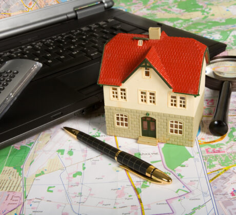 Small house-desk-map-computer
